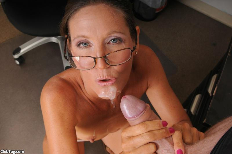 Pregnant milky and very fucking mature man.xhamster.com