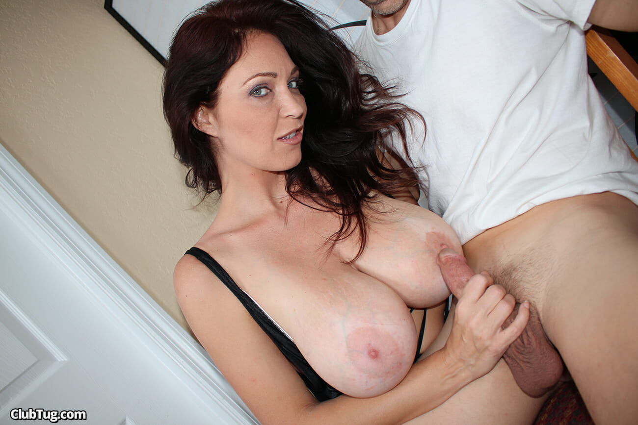 Mature Milf Gives Handjob For Cum On Tits 89