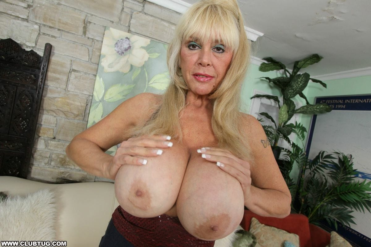 Shelly the burbank bomber jack off granny gets big boobs