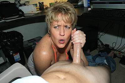 Hot Wife Tracy Handjob Video - Jan 27