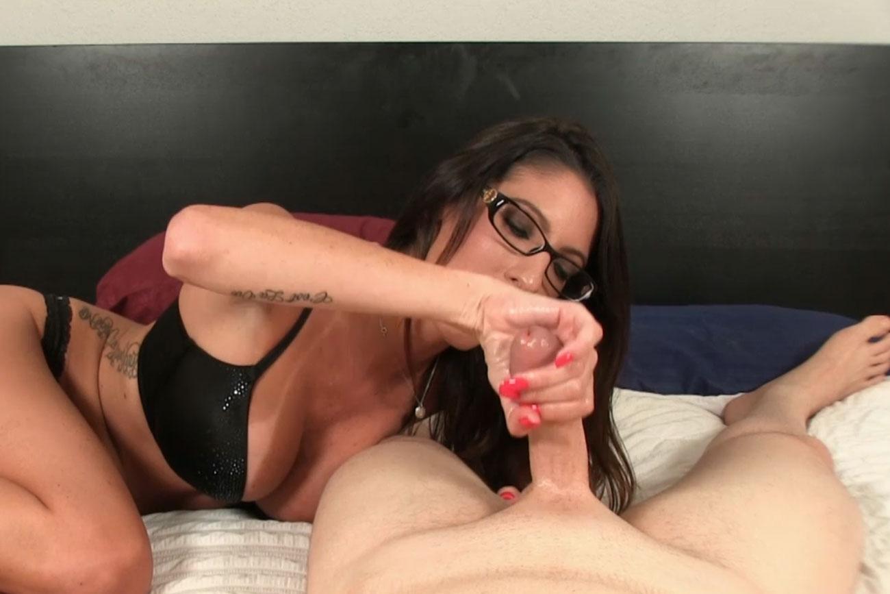 проститутка дрочит парню