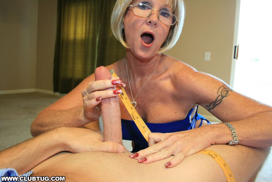Spunk swallowing mature women