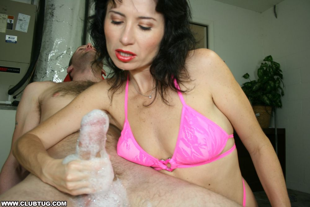 Milf tatiana petrova handjob shifted the