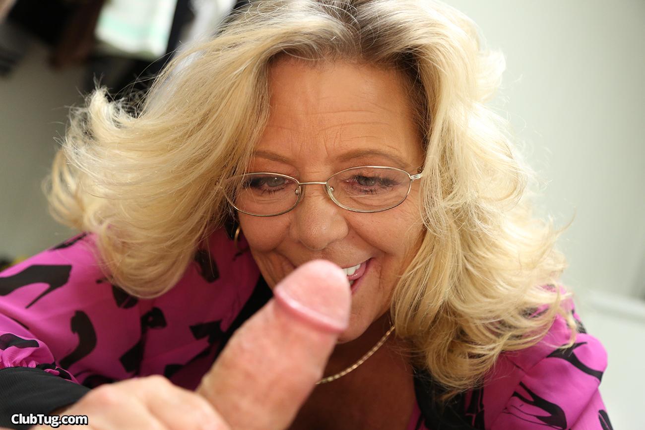 Granny handjob picture Хакасия