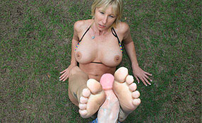 hot mom gives footjob to neighbor